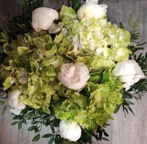 Bouquet de pivoines et hortensias